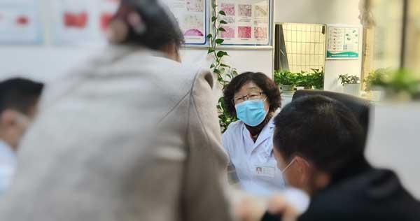 11月21日起,原北京302医院肝病主任饶雅琴莅临河南省医药院会诊